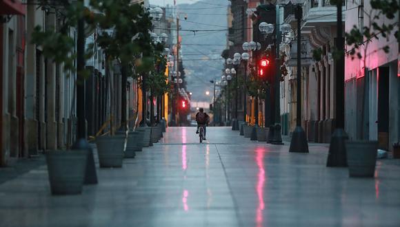 Toque De Queda Desde Julio Iniciara Desde 10 P M Hasta 4 A M En Lima Y Otras Ciudades Del Interior Inmovilizacion Social Obligatoria Estado De Emergencia Nndc Peru Gestion