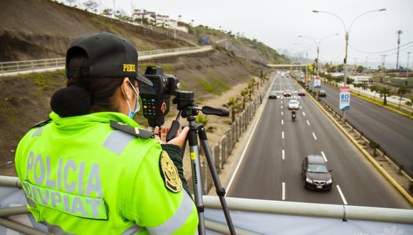 Conductores a respetar los límites de velocidad establecidos en cada tramo del circuito de playas. (Foto: MML)