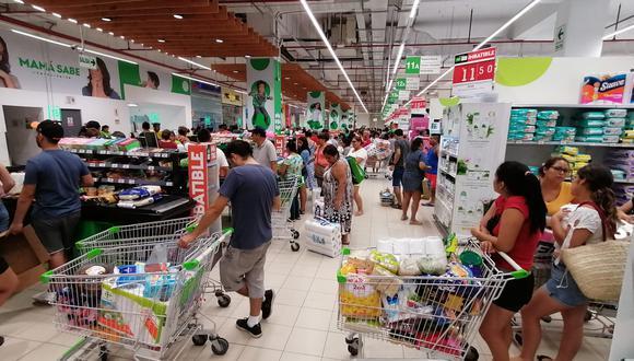 Peruanos ahora optan por una previsión comprando productos base para futuros cambios en el entorno, señala la Universidad Esan. (Foto: GEC)