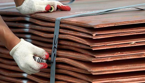 El cobre a tres meses en la Bolsa de Metales de Londres (LME, por su sigla en inglés) ganaba un 0.52% a US$ 5,769  por tonelada. (Foto: Reuters)