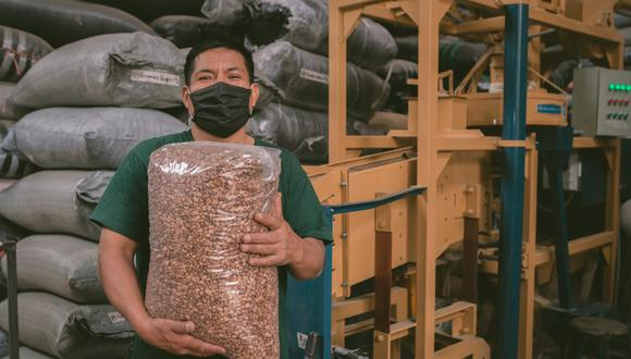 Con más de 425 mil hectáreas de café en producción, Perú es el noveno productor de café a nivel mundial y el segundo exportador de café orgánico del mundo gracias al trabajo de las cooperativas cafetaleras. (Foto: Facebook de Taza de la Excelencia)
