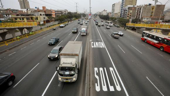 Este lunes 5 de abril queda suspendida la Hora Pico y Placa y el uso del carril izquierdo preferencial para camiones(Foto: MML)