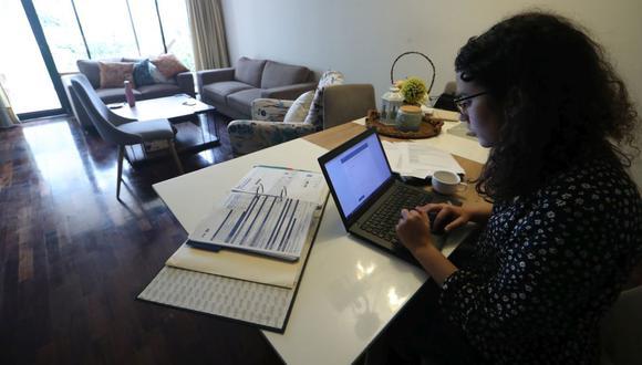 LIMA, LUNES 03 DE AGOSTO DEL 2020. TRABAJO REMOTO,  Hoy se anunció la extensión de la modalidad de trabajo remoto hasta julio del 2021. FOTOS: ALESSANDRO CURRARINO/EL COMERCIO