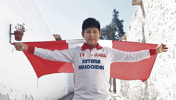 Enfocado. Rolly Mamani ya se prepara para representar al Perú en otra competencia internacional de informática. (Foto: Difusión)