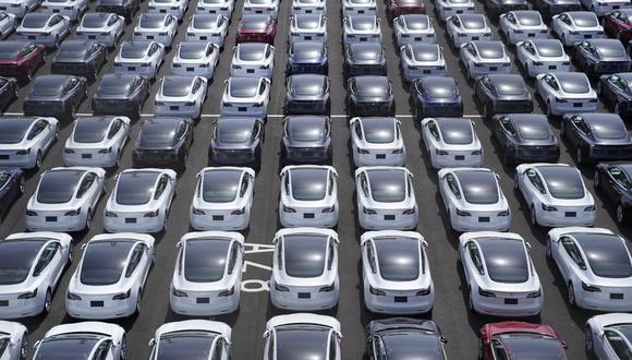 Tesla fabrica actualmente el Model S y X en su fábrica de Fremont, California, mientras que el Model 3 y el Y más pequeños se ensamblan allí y en su planta de Shanghái.