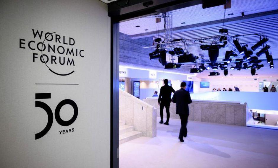 """Seamos sinceros, se suponía que Davos ya había sido """"cancelado"""", opina el columnista de Bloomberg."""