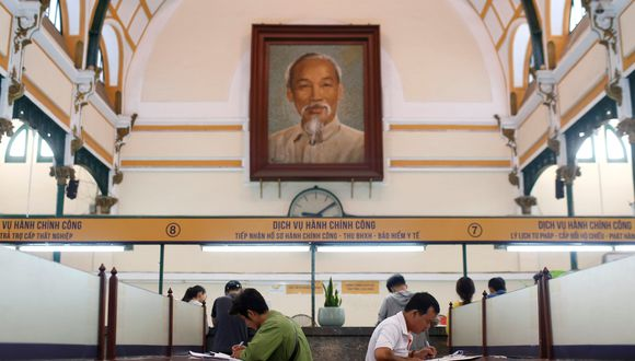 Las autoridades comunistas optaron por conservar el cuerpo de Ho Chi Minh a pesar de que pidió ser incinerado y enterrado a lo largo de Vietnam.(Foto: Reuters)