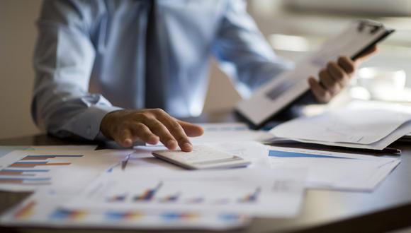 En promedio, las alternativas en dólares rentaron 2.2%, y las denominadas en soles perdieron -1.8%. (Foto: iStock).