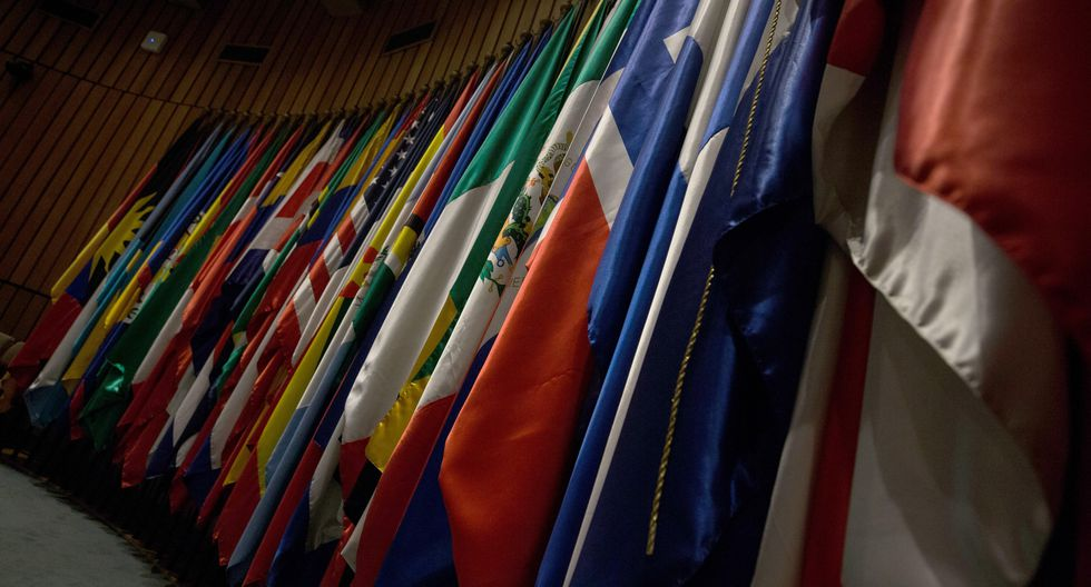 """La organización, un organismo de las Naciones Unidas con sede en Santiago, destaca que el alza de 2.3 puntos porcentuales de la pobreza entre el 2014 y 2018 en el promedio regional """"se explica básicamente por el incremento registrado en Brasil y Venezuela"""". (Foto: EFE)"""