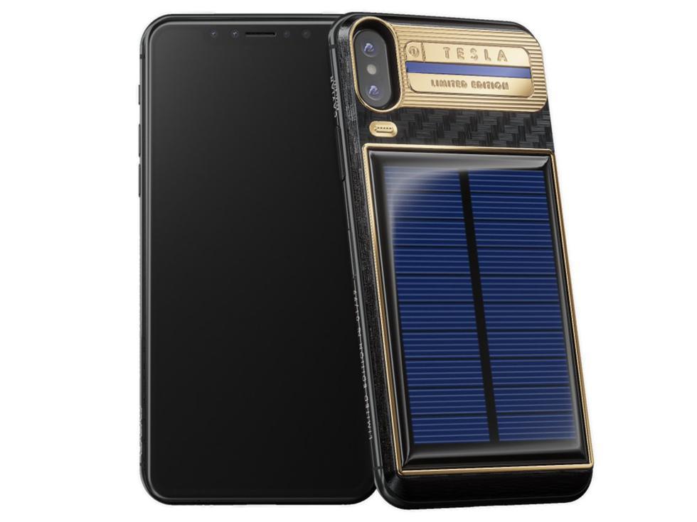 FOTO 1 | El Caviar iPhone X Tesla no es solo un estuche, el iPhone X está incluido. En lugar de una carcasa independiente, Caviar aparentemente adhirió el estuche de Tesla directamente al teléfono. Viene en dos modelos: 64 GB y 256 GB, que cuestan aproximadamente US$ 4,064 y US$ 4,847 respectivamente. (Foto: Caviar)