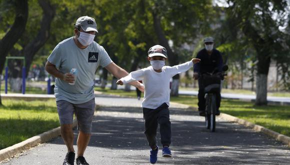 En las últimas semanas de las tasas de contagio de niños y adolescentes se han incrementado en un 70%. (Foto: GEC)