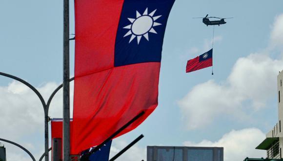 Una cantidad récord de aviones chinos ingresó este mes a la zona de defensa aérea de Taiwán. El ministro de Defensa de la isla advirtió que Pekín podría lanzar una invasión a gran escala en el 2025. (Foto: AFP)