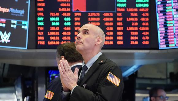 Retrocesos. Continuarán en la bolsa hasta que se aclare la política económica que aplicará el nuevo Gobierno, según corredoras.  (Foto: AFP)