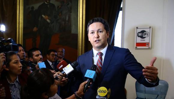 El presidente del Congreso, Daniel Salaverry, lamentó que los escándalos sobre fondos de representación afecten la imagen del Parlamento. (Foto: Congreso de la República)