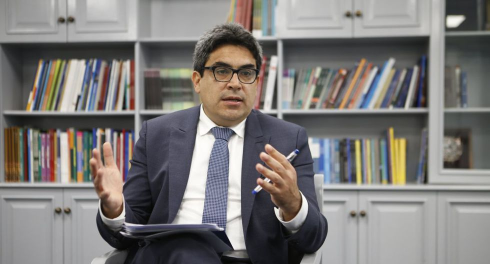 Ministro Martín Benavides afirmó que la educación no puede parar pese al brote del coronavirus (COVID-19). (Foto: GEC)