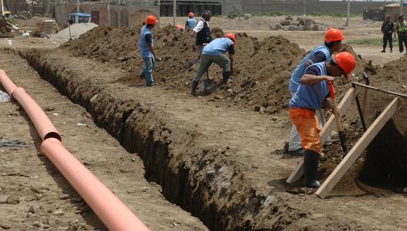 La población se beneficiará con 160,000 conexiones nuevas de agua potable y más de 162,000 conexiones nuevas de alcantarillado (Foto: Andina).