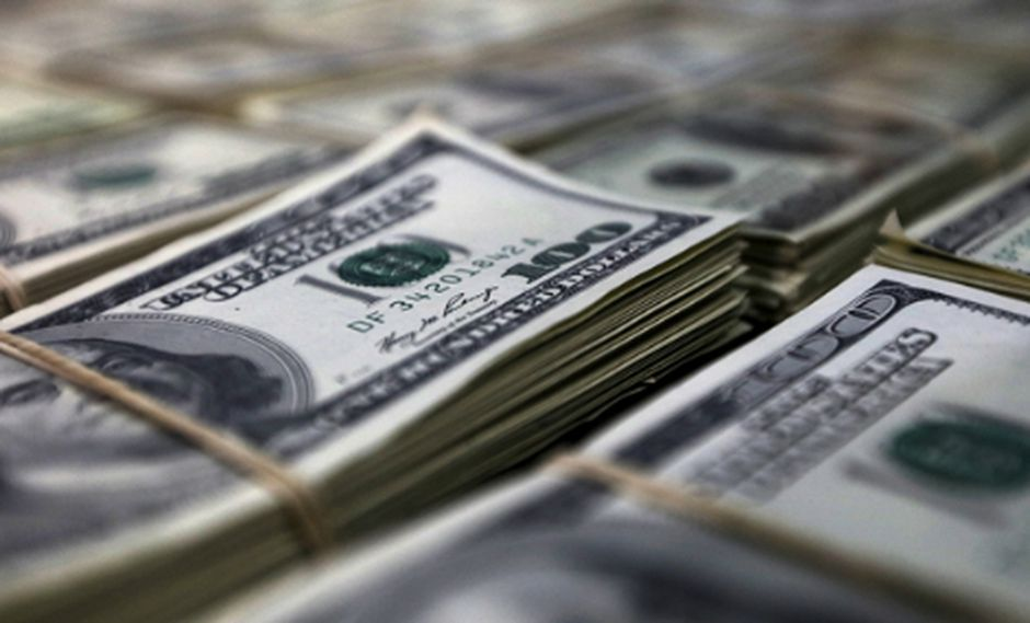 El dólar se vendía hoy hasta enS/3.455 en los bancos de la ciudad. (Foto: Reuters)