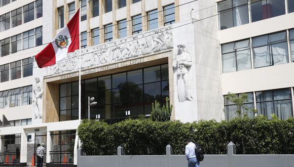 El Ministerio de Trabajo emitió un comunicado solicitando a los empleadores una salida anticipada para trabajadores. (Foto: GEC)