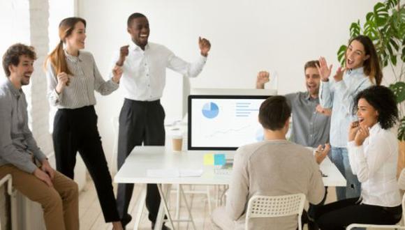 Una reunión creativa, según experto, debería tener entre dos y 10 miembros, no más. (Foto: Freepik)
