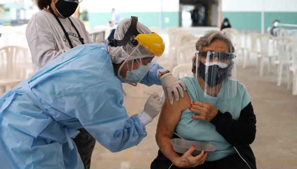 la vacunación se desarrolla en todas las regiones del país. (Foto: Britanie Arroyo)