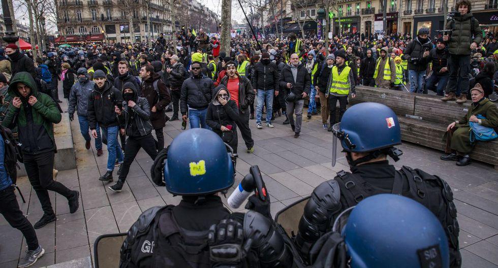 La oposición al proyecto gubernamental se traduce, desde el 5 de diciembre, en una huelga que perturba principalmente la circulación de los trenes en Francia y el transporte público en la región parisina. (Foto: EFE)