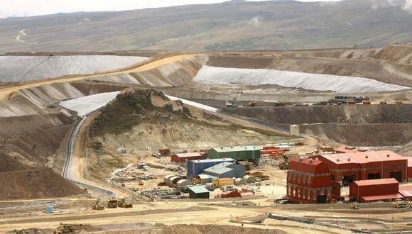 El estudio de bancabilidad deberá contener la construcción de una planta con capacidad de tratamiento no menor de 40,000 toneladas diarias de mineral o una inversión mínima total de US$ 1,000 millones (Foto: Andina).
