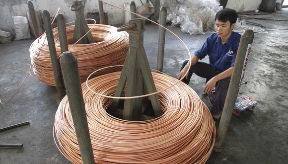 Los inventarios de cobre en depósitos registrados ante la LME se redujeron a un nuevo piso de seis meses de 128.125 toneladas. (Foto: Reuters)