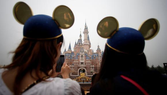 Disney dijo que devolvería las entradas de Shanghai Disneyland, a más de 800 kilómetros de Wuhan en la costa este de China, así como a otros servicios del parque, y que haría otro tanto con las reservas de hotel. (Foto: Reuters/Archivo)
