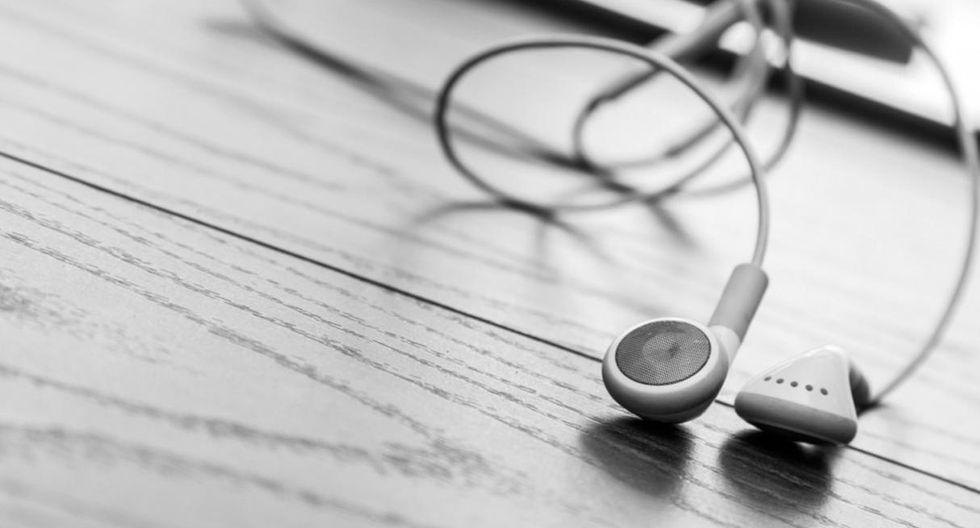 Escuchar música en el trabajo aumenta la productividad. (Foto: Shutterstock)