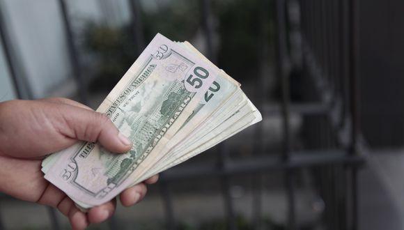 En el mercado paralelo o informal, el tipo de cambio se cotiza a S/ 3.530 la venta. (Foto: GEC)