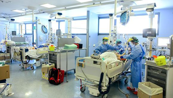 El número de contagios registrados se incrementó a la par con el aumento de pruebas de diagnóstico realizadas. (Foto: AFP)