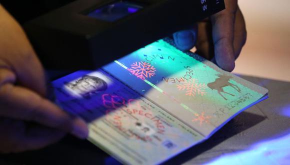 La entrega del pasaporte se realiza el mismo día, pero también puede acudir posteriormente a recogerlo. Tiene hasta 30 días para recoger su documento (Foto: Andina)