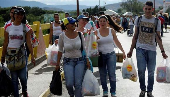 Hay un explosivo aumento de migrantes venezolanos en la frontera entre ambos países. (Foto: Reuters)