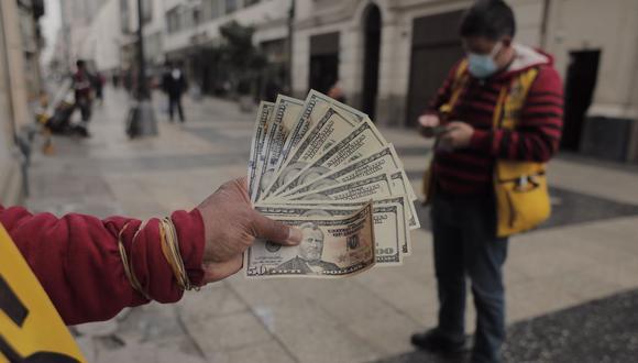 El dólar mantiene una tendencia alcista en el mercado cambiario peruano. (Foto: Leandro Britto / GEC)