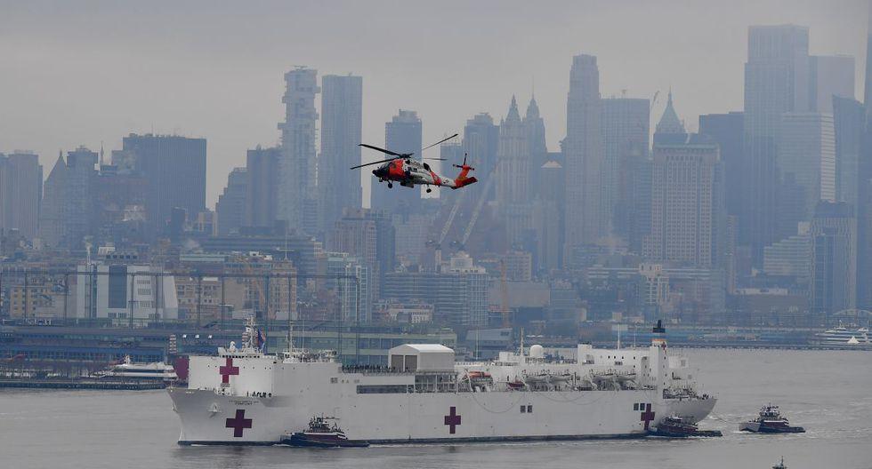 """El buque militar médico Comfort no se dedicará a tratar pacientes con Covid-19, sino a """"liberar la presión"""" que sufren el resto de hospitales de Nueva York. (Foto: AFP)"""