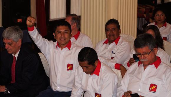 El virtual congresista del partido Perú Libre, Guillermo Bermejo, afronta un proceso penal por el delito de filiación al terrorismo. (Foto: Facebook/Guillermo Bermejo)