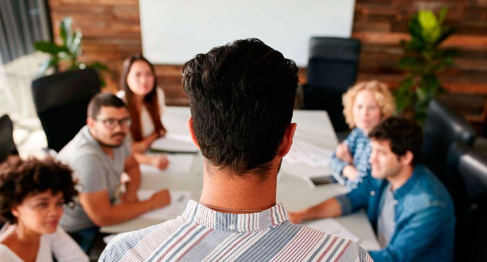 FOTO 4 | Solicita ayuda Reúnete con otras personas que vayan a dirigir o interactuar con el nuevo empleado para saber cuáles deberían ser, en su opinión, sus principales funciones.  (Foto: istock)