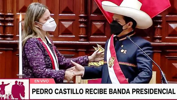 """Pedro Castillo juró como presidente del Perú por una """"nueva Constitución"""". (Foto: Captura Tv)"""