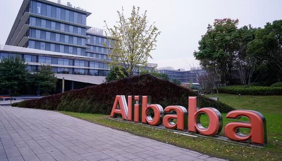 Alibaba posee entre otras la aplicación de comercio electrónico Taobao, muy popular en China. En total sus distintas plataformas reúnen a 785 millones de usuarios mensuales a través de teléfonos móviles. (Foto: Reuters)