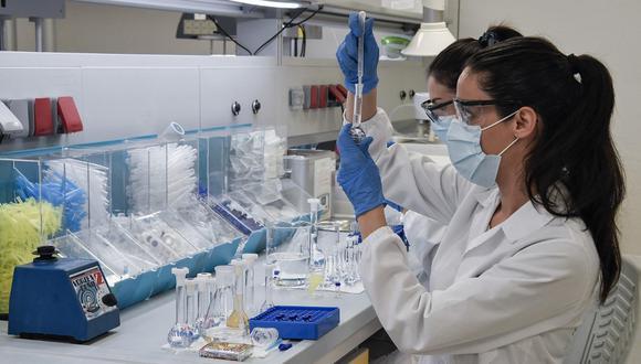 Foto referencial. Hasta ahora solo se han hecho pruebas en ratones, pero tanto ISR e Iconovo han recaudado fondos suficientes para comenzar los estudios en humanos en los próximos dos meses. (Louisa GOULIAMAKI / AFP).