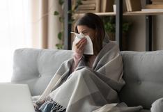 ¿Cómo puede distinguir la gripe y del COVID-19?
