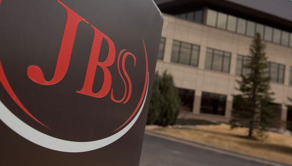 JBS subrayó que la operación está sujeta a la aprobación de los órganos reguladores competentes.