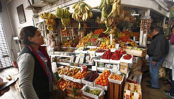 Los precios del grupo alimentos y bebidas aumentaron 0.17% en agosto, indicó el INEI. (Foto: El Comercio)