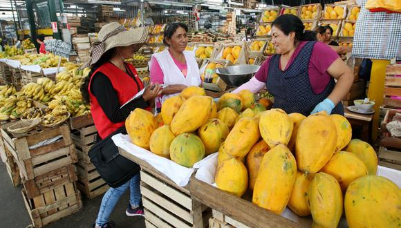 La economía de Perú necesita crecer un 6% a ritmo anual para absorber a 250,000 personas que ingresan al mercado laboral cada año (Foto: Andina).