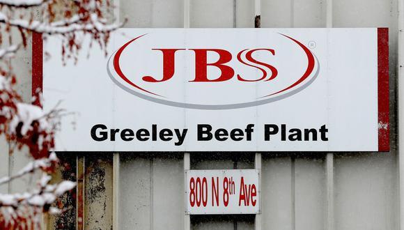 JBS es responsable de un 20% de la producción de carne de vacuno y cerdo en Estados Unidos y el cierre de sus plantas hizo temer que pudiese afectar a la distribución, pero la empresa rápidamente fue capaz de restablecer su operación. (Foto de MATTHEW STOCKMAN / GETTY IMAGES NORTH AMERICA / AFP).
