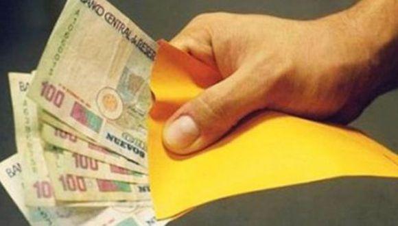 3 de junio del 2015. Hace 5 años.- El 47% que recibirá 'grati' la destinará a pagar deudas. Se recupera confianza del consumidor en Lima, pero no en provincias. Optimismo sube en todos los segmentos, salvo en el nivel C.