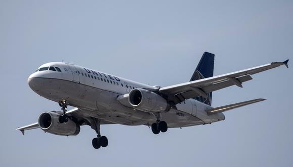 United tiene 72 de los 757, incluidos 21 757-300, una versión un poco más larga adquirida por Continental Airlines entre el 2001 y 2004, según datos de Cirium. (Photo by PEDRO PARDO / AFP)