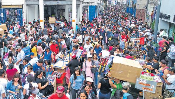 Al igual que el coronavirus, la informalidad traspasó las débiles defensas del derecho formal peruano y ya es parte de él.