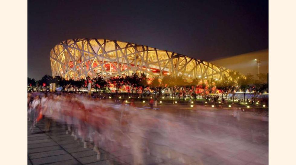 Estadio Nacional de Pekín, conocido como El Nido de Pájaro, diseñado por los arquitectos Jacques Herzog y Pierre de Meuron.