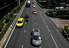 Entre autos de lujo y champán, una parte de Bangkok vive ajena a la pandemia